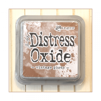 Ranger Must Haves - 'Distress Oxide Ink Pad - Vintage Photo'
