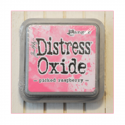 Must Haves - 'Distress Oxide Ink Pad - Picked Raspberry'